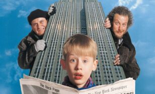 "Poster for the movie ""Home Alone 2: Lost in New York"""
